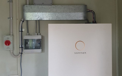 7 Reasons to Install a Solar Battery